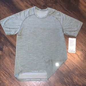 lululemon mens metal vent tech ss military green S